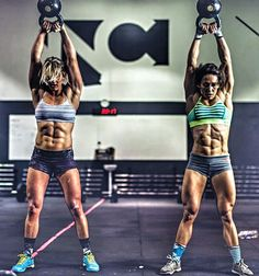 Crossfit with a friend! Female Crossfit Athletes, Crossfit Women, Crossfit Baby, Crossfit Chicks, Martial, Physique, Girls Who Squat, Weight Lifting Workouts, Weight Training
