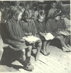 An elementary school in Kanalia a village in Thessaly, Greece, 1949 Vintage Pictures, Old Pictures, Old Time Photos, Michael Chabon, Greece Pictures, Greece Photography, Greek History, Vintage School, Go Greek