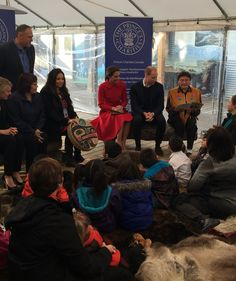 """Kensington Palace on Twitter: """"The Duke and Duchess listen to this morning's storytelling with local children @MacBrideMuseum #RoyalVisitCanada"""