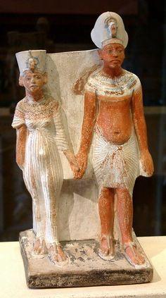 Akhenaten and Nefertiti; dynasty 18 New Kingdom art