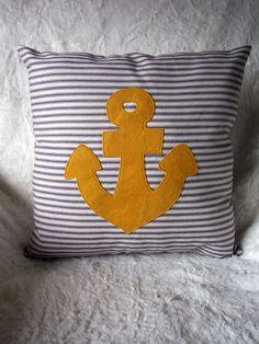 DIY, a yellow anchor pillow Anchor Pillow, Home And Deco, Beach House Decor, Nautical Theme, Beach Themes, Wool Felt, Decorative Pillows, Sewing Projects, Throw Pillows