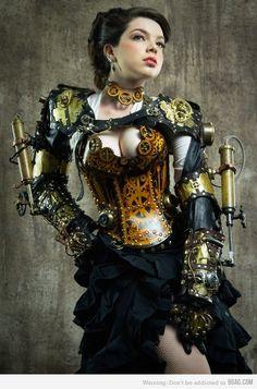 Hoooooooo Leeeeeeeeee Shiiiiiiiiit. Inspiration for any steampunk outfit can be found in this gorgeous masterpiece (I just don't like the tones on the metal).