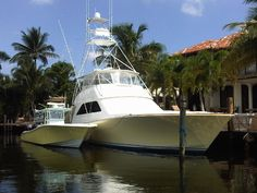 This is the hull truth.mama yacht and baby fishing boat.Looks like Palm Beach Fast Boats, Cool Boats, Speed Boats, Power Boats, Fishing Yachts, Sport Fishing Boats, Center Console Boats, Offshore Boats, Offshore Fishing