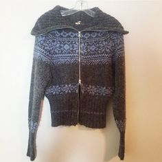 Free People Fair Isle Dolman Sweater Zip Up Super comfy sweater by free people. Double zippers and a funnel neck. Dolman sleeves. This is an awesome sweater, perfect for the upcoming weather! Great condition. Size XS but can also fit S! Free People Sweaters Cardigans
