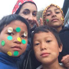 """Taller """"sonrisas"""" en el Orfanato Happy Siphal de Nepal. Navidades Solidarias"""