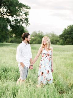 Love this beautiful couple's simple and classic engagement photos, and their proposal story is just too cute.