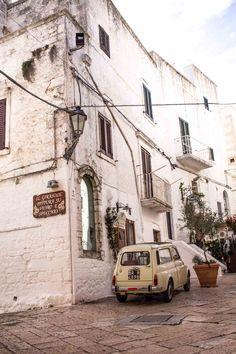 Italien Roadtrip - Salento Wein, Ostuni & Alberobello http://www.weibi.at/roadtrip-salento-wein-ostuni-alberobello/?utm_campaign=coschedule&utm_source=pinterest&utm_medium=Viktoria%20Egger&utm_content=Italien%20Roadtrip%20-%20Salento%20Wein%2C%20Ostuni%20and%20Alberobello