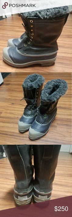 Whites Winter Pac Boots Worn once. Just dirty on the sole. No wear at all. Paid over 600 for these. Will fit wide. Men's 6 but fit women's 7.5 Sorel Shoes