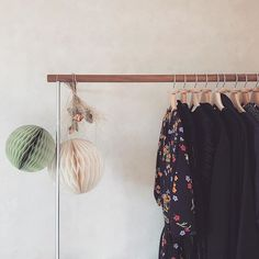 Peau-Neuve || Natural lifestyle & Beauty Blog Furoshiki, Multi Usage, Dressing, Wardrobe Rack, Furniture, Lifestyle, Blog, Home Decor, Instagram
