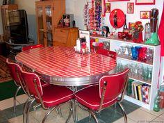 Tonnie's 'Vintage' 1950's Era Diner Table