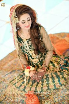 (notitle) wedding and engagement hairstyles 2019 - wedding and engagement hairstyles 2019 - wedding and engagement 2019 Bridal Suits Punjabi, Pakistani Wedding Outfits, Pakistani Engagement Hairstyles, Bridal Hairstyles, Bridal Dress Design, Bridal Style, Mehndi Dress, Mehndi Outfit, Mehendi