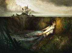 Sereia: Misterios Mar Meio a meio  Em 2000 a.C., os babilônios louvavam o deus Ea, mistura de homem e peixe. Depois, surgiu a lenda de Astagartis, uma garota que se escondeu no oceano após matar outra pessoa, mas o mar se recusou a esconder sua beleza, transformando-a só parcialmente em peixe. No século 1, o romano Plínio, o Velho, escreveu sobre as nereidas, veneradas como ninfas do mar...