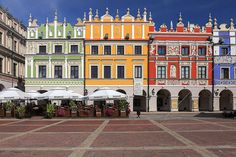 Zamość Colourful Buildings, Beautiful Buildings, Places To Travel, Places To See, Beautiful World, Beautiful Places, Poland Travel, Old Building, Croatia