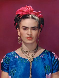 Classic images of Frida Kahlo by Nickolas Muray, her longtime friend and lover, form a new exhibition at the Museum of Latin American Art in California