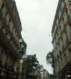 #paris #rain #cold #aesthetic @SmoothPizza
