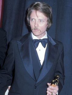 The Academy Awards Ceremony Christopher Walken Best Supporting Actor Oscar for ''The Deer Hunter'' 1978 Oscar Academy Awards, Academy Award Winners, Oscar Winners, Johnny Carson, Johnny Depp, Best Actress, Best Actor, Hollywood Stars, Classic Hollywood