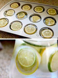 21.レモンの輪切り入りのビックサイズの氷の作り方
