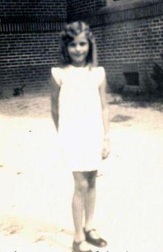 [BORN] Ava Gardner / Born: Ava Lavinia Gardner  December 24, 1922 in Grabtown, North Carolina, USA / Died: January 25, 1990 (age 67) in Westminster, London, England, UK