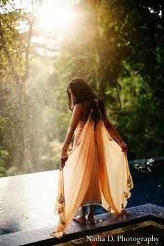 Our Latest #bride in #costarica! Red paisleys #fushiongown #lengha #peach @maharniweddings @KIS (cubed) Events @Villa Punto de Vista