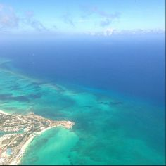 The crystal blue waters of the Bahamas are stunning from the air! Via Chris P.