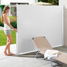 Ausziehbare Seitenmarkise oder Doppel-/Eckmarkise Ihr perfekter Sonnen-, Sicht- und Windschutz: mit einem Handgriff parat. Nie im Weg.