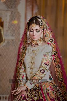 pakistani bridal dresses Source by prashnapabari wedding dresses Shadi Dresses, Pakistani Formal Dresses, Pakistani Wedding Outfits, Pakistani Wedding Dresses, Pakistani Dress Design, Pakistani Mehndi Dress, Indian Outfits, Pakistani Bridal Jewelry, Nikkah Dress