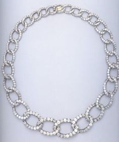 Grand Duchess Ella's famous chain link diamond necklace