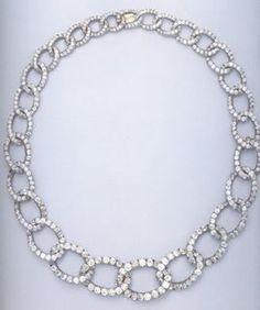 Grand Duchess Ella's famous chain link diamond necklace