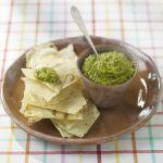 I dip sono salsine sfiziose da gustare negli antipasti o negli aperitivi. Prova questa variante che unisce fave e sesamo nella ricetta di Sale&Pepe.