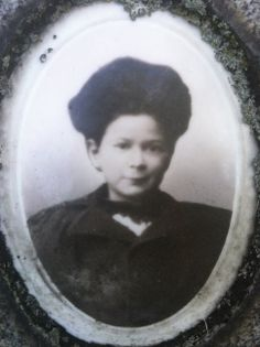 Sadie, aged 11, died 1899 Grave Markers, Sadie, Chicago, Photography, Art, Art Background, Photograph, Fotografie, Kunst