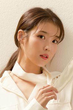 Pretty Korean Girls, Cute Korean Girl, Korean Beauty, Asian Beauty, Iu Hair, Brand Magazine, Blackpink Fashion, Beautiful Girl Image, Girl Crushes