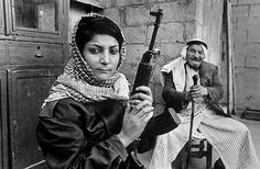 #Palestinian revolutionary fighter and plane hijacker Leila Khaled in Lebanon with her father early 1970s [1000x655] #history #retro #vintage #dh #HistoryPorn http://ift.tt/2gsk1fo