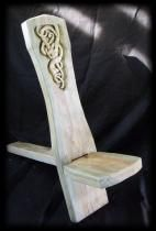 Viking chair with wood carving. I… Viking chair with wood carving. I… Viking chair with wood carving. Chip Carving, Wood Carving, Vikings, Woodworking Plans, Woodworking Projects, Medieval Furniture, Viking Designs, Larp, Got Wood