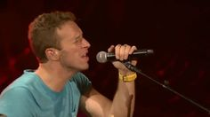 """When the whole audience sings during The Scientist the results are breathtaking. Trust me I've experienced it ☺️ • #qotd """"You and me are drifting into outer space"""" ~ X&Y • {fc:15.5K}  #coldplay #coldplayer #chrismartin #guyberryman #willchampion #jonnybuckland #lovehim #gorgeous #coldplayaheadfullofchrismartin"""
