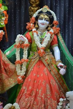 Radha Krishna Quotes, Radha Krishna Pictures, Krishna Photos, Krishna Radha, Ladoo Gopal, Beautiful Flowers Wallpapers, Radha Rani, Flower Wallpaper, Deities
