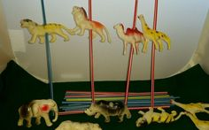 New Vintage 24 Piece Plastic Safari / Circus ANIMALS for Straws