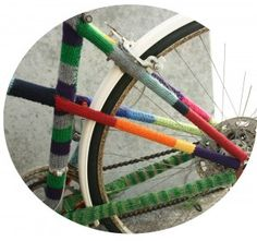 Tash's knitted bicycle for Holland Road Yarn Company. Because Tash is so damn clever.