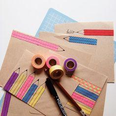 マスキングテープ(マステ)の活用法やかわいい使い方をご紹介します。これさえあれば、アルバム・カード・手帳・手紙・色紙・文房具・電化製品などが簡単に可愛くアレンジできます。また、マスキングテープは色・サイズ・柄の種類がたくさんありますので、オリジナルな活用方法を考えて、身の回りにあるもの・お部屋などをぜひデザインしてみてください。