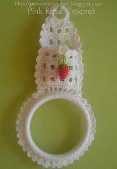 Croche porta toalhas - Pesquisa Google // Maybe to hold your ring and