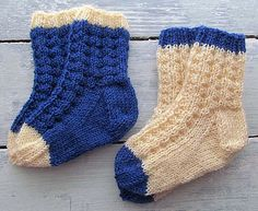 Ravelry: Pee Wee Socks pattern by Cricket D Baby Cardigan Knitting Pattern, Baby Knitting Patterns, Knitting Socks, Baby Patterns, Knit Socks, Knitting Tutorials, Knitting Videos, Free Knitting, Knitting Projects
