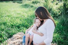 Traumhaft schöne Babybauchfotos in freier Natur | Fotos: Sevi Koch