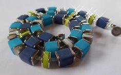 Ketten kurz - Kette aus Polaris-Würfeln und Scheiben, blau/grün - ein Designerstück von SandraEbRi bei DaWanda