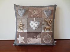 Housse de coussin patchwork, décoration pour noël, taupe et grise : Textiles et tapis par michka-feemainpassionnement