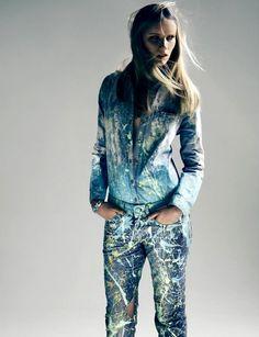 Para valorizar o look de uma forma vintage, a camisa jeans pode ser usada juntamente a peças com modelagem de cós alto, tanto calças, shorts ou até mesmo saias.