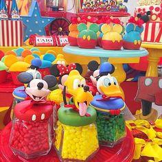Festa Mickey Baby, Fiesta Mickey Mouse, Mickey Party, Mickey 1st Birthdays, Mickey Mouse Clubhouse Birthday Party, Mickey Birthday, Leo Birthday, Birthday Ideas, Happy Birthday