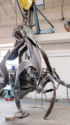 Giant octopus , made from huge rusty pipes . Its in a proces. Exterier sculpture before finishing Pipes, Octopus, Sci Fi, Sculpture, Art, Art Background, Science Fiction, Kunst, Sculptures