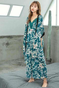 2018 Autumn Nightwear Lady Pyjamas New Korean Silk Flower Printing 3-piece  Suit Pajamas Home 568b3397b