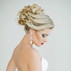 Top Tips for Beautiful Bridal Hair Best Wedding Hairstyles, Bride Hairstyles, Fashion Hairstyles, Bridesmaid Hair, Prom Hair, Wedding Hair And Makeup, Hair Makeup, Curly Wedding Updo, Hairstyle Wedding