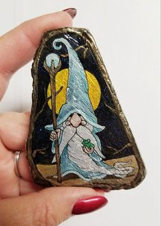 Rock Painting Ideas Easy, Rock Painting Designs, Paint Designs, Painted Rocks Craft, Hand Painted Rocks, Stone Crafts, Rock Crafts, Halloween Rocks, Christmas Rock