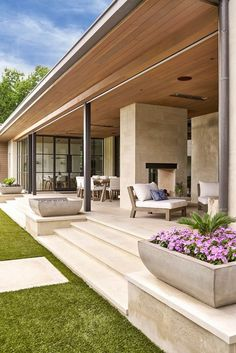 SHM Architects Radbrook Back Exterior Future House, Modern Front Yard, Design Exterior, Exterior Colors, Dream House Exterior, Backyard Patio, Yard Landscaping, Landscaping Ideas, Patio Planters